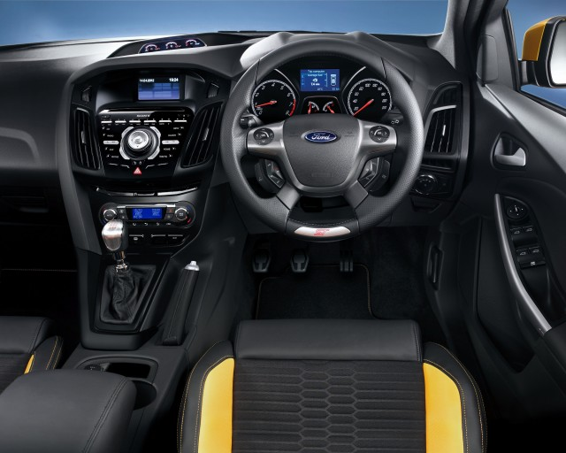 Ford-Focus-ST-RHD-interior