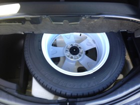Toyota Rav 4 - Spare Tyre - Inside the car!