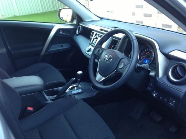 Toyota Rav 4 - Interior