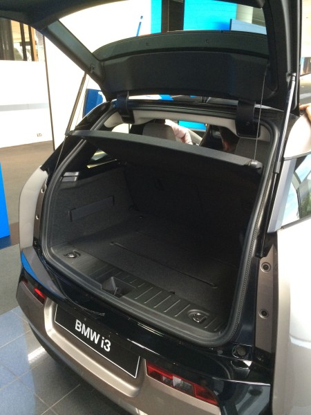 Rear luggage compartment