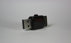 Moving files from PC to mobile just got easier with Sandisk Dual USB Drive