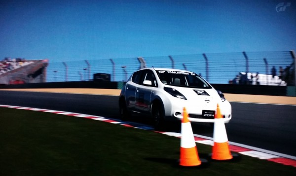 GTP_DHolland hits the curb in his flying lap of Brands Hatch