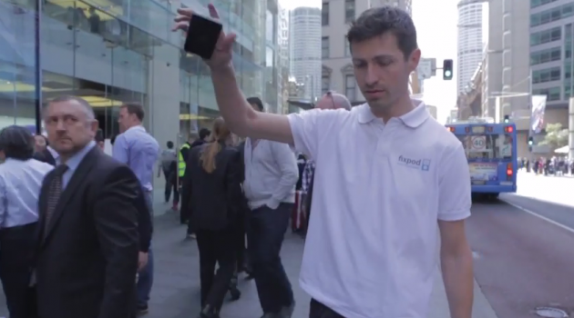 """VIDEO: iPhone 6 dropped in a """"smash test"""" right outside Sydney Apple Store"""