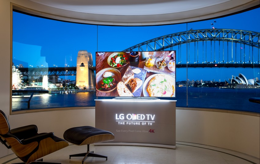 65-inch 4K ULTRA HD OLED TV Lifstyle Image (2)