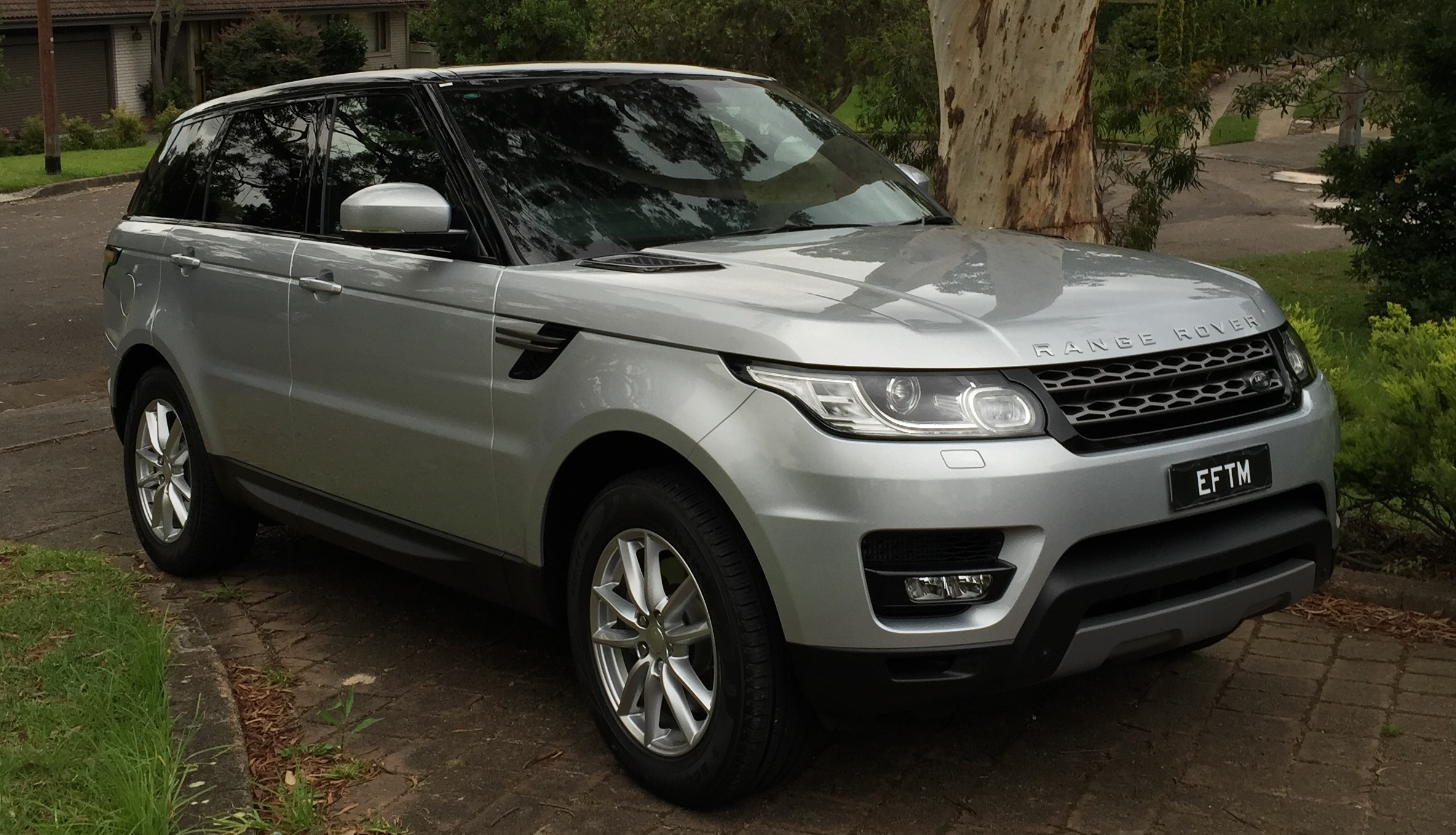 The garage range rover sport tdv6 se eftm for Garage land rover brest