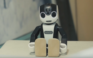 A robot smartphone and personal assistant? RoBoHoN from Sharp