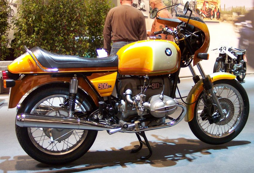BMW_R90S_gold_1975_r_TCE