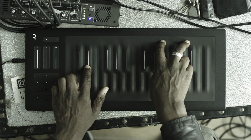 Seaboard RISE 25 Axe with hands Low Resolution