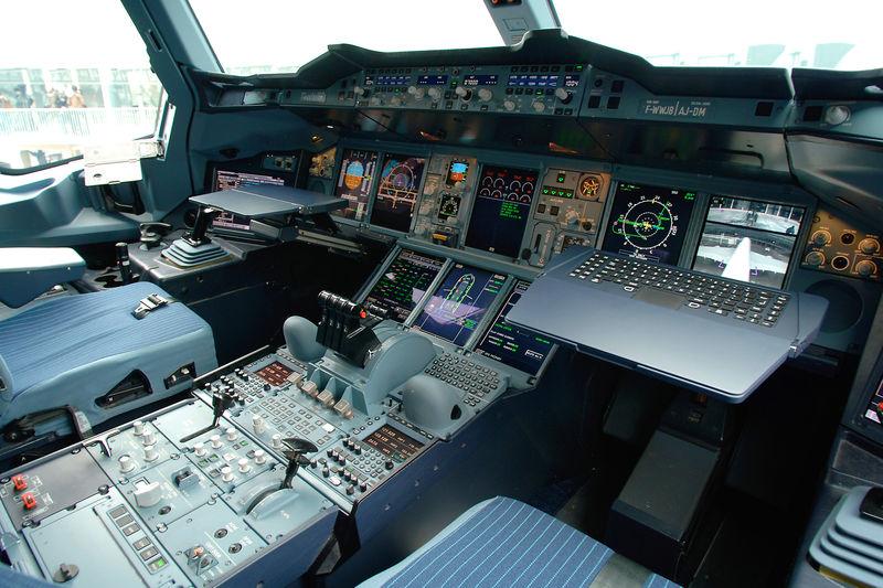 A380_Airbus_cockpit
