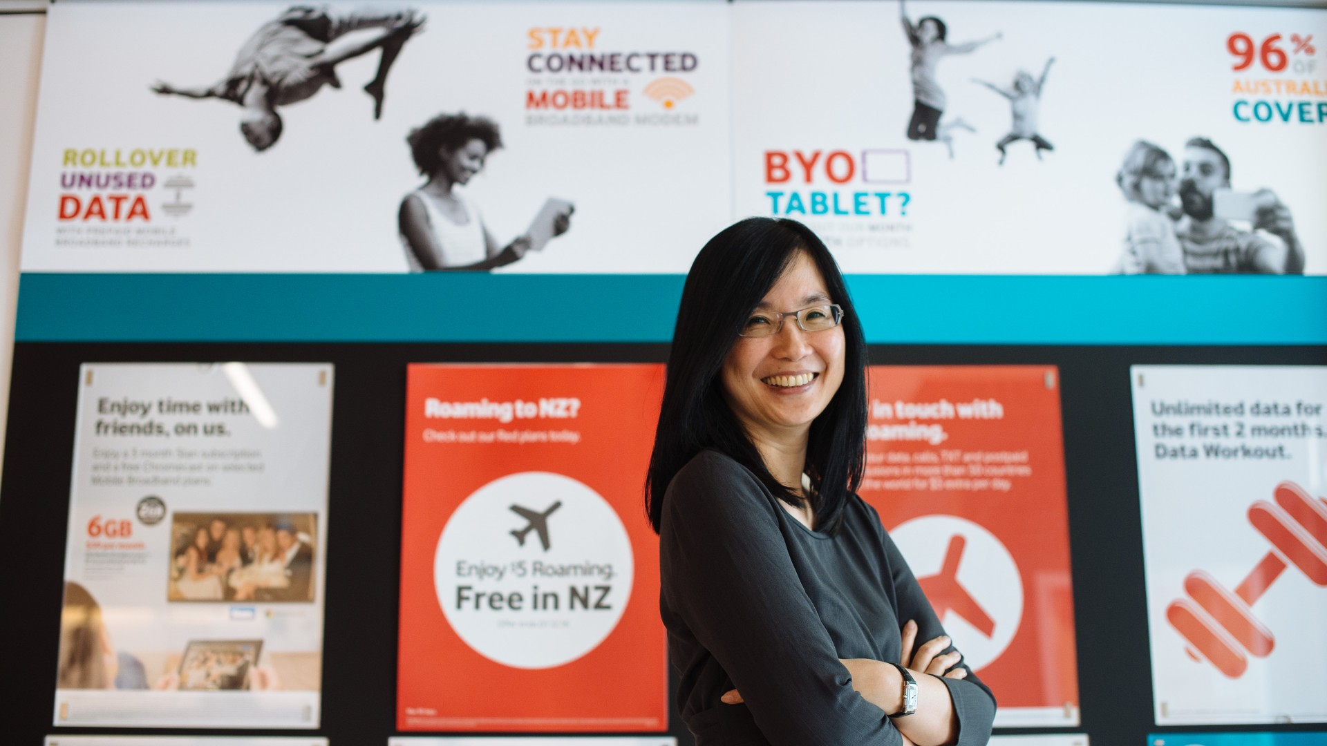 Vodafone Chief Marketing Officer Loo Fun Chee in Vodafone Store 2
