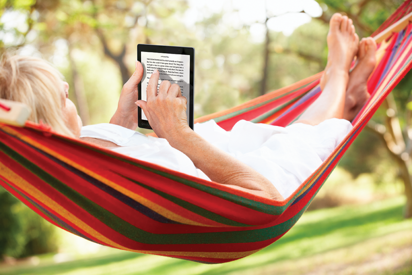 AuraONE_Lifestyle_Hammock_Reading_AUNZ