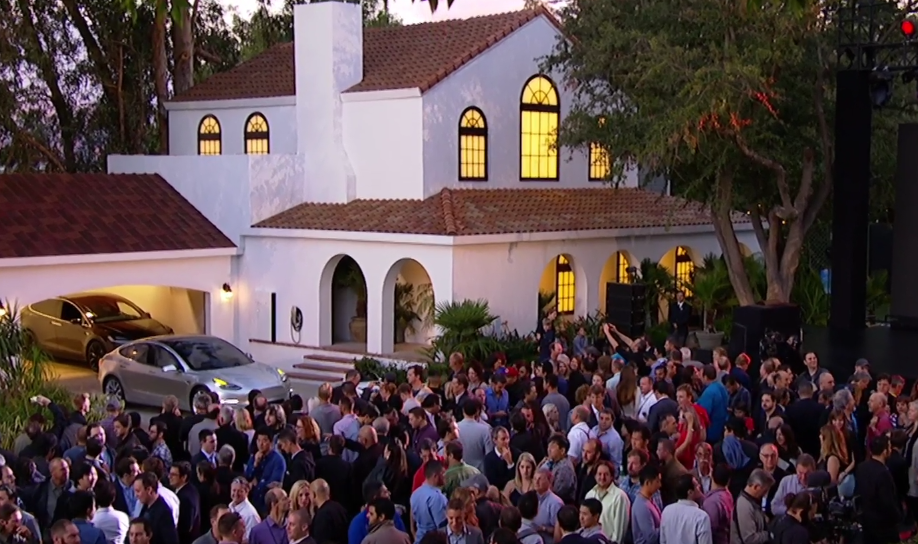 Tesla Now Turning Roof Tiles Into Solar Panels 187 Eftm