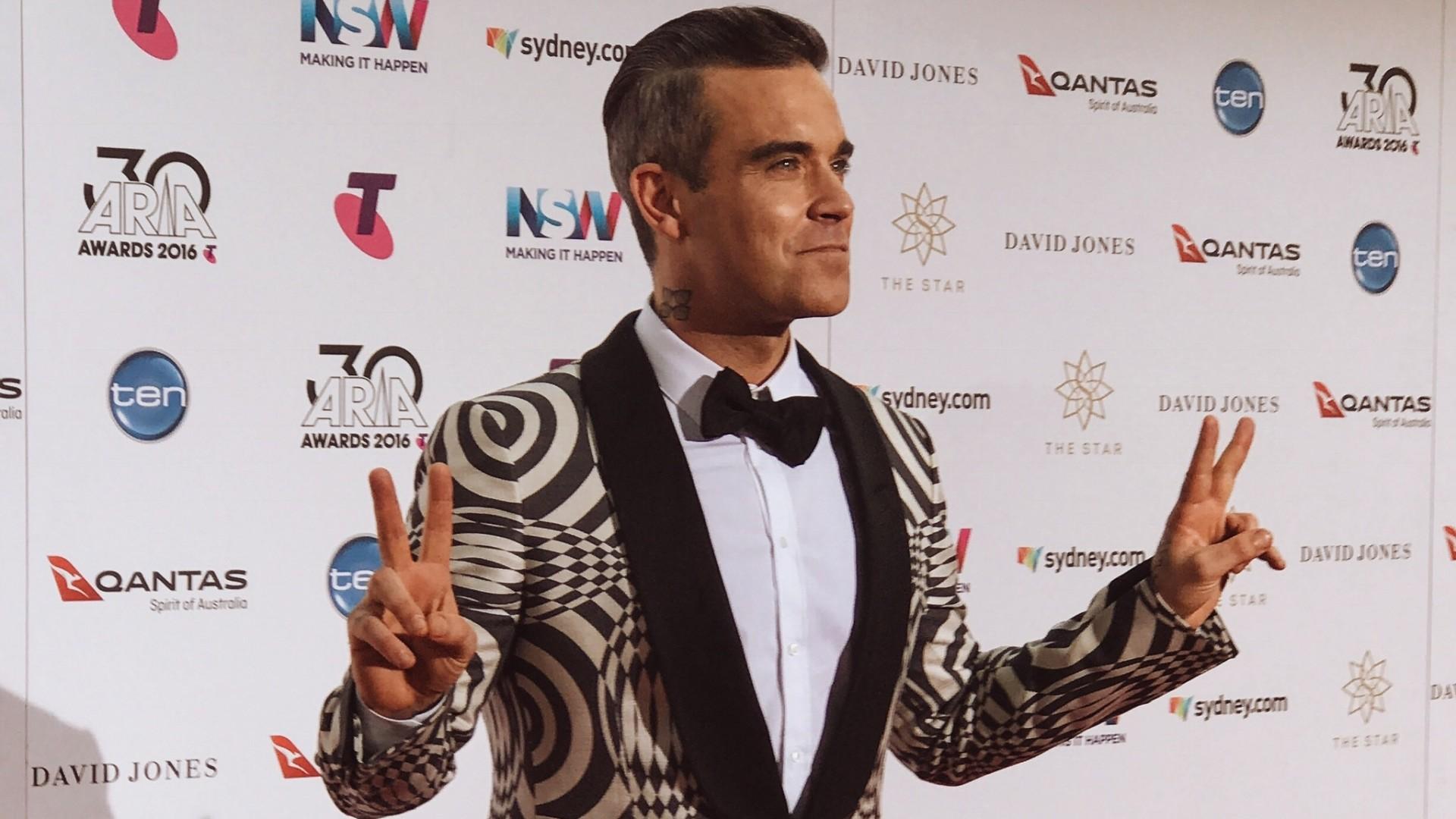Robbie Williams, Chris Hillary I Photographer #ShotOniPhone7Plus #PortraitMode