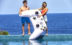 Xbox in the Pool! Microsoft giving away 200 Inflatable controllers