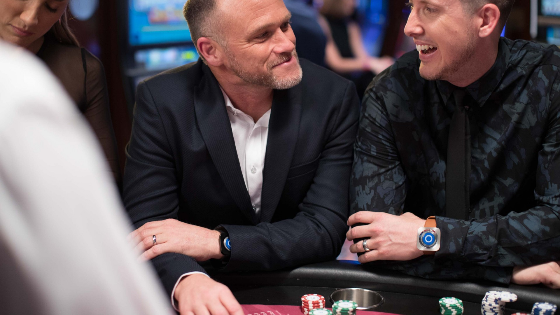 playocean-guests-in-casino