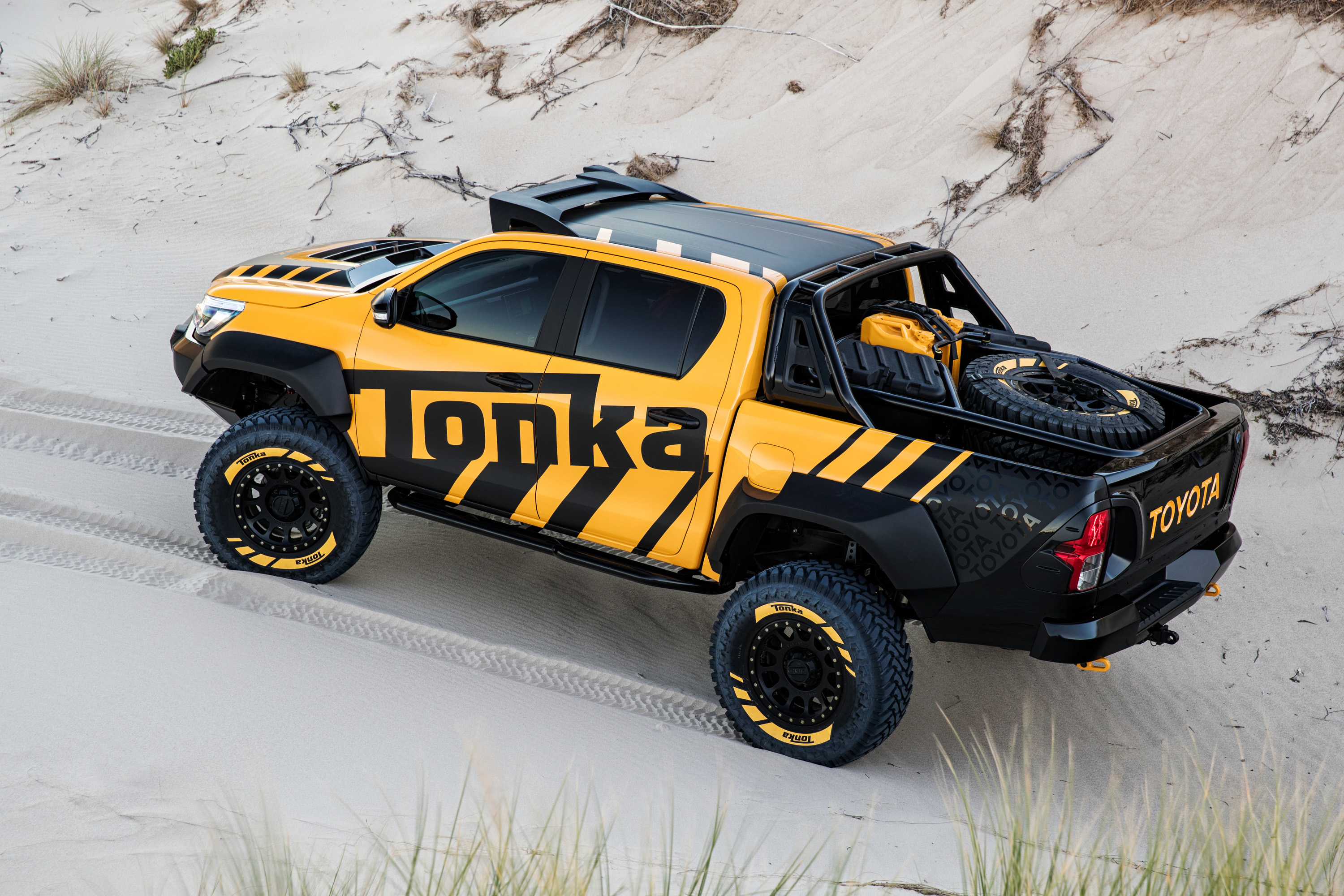 Toyota Introduces the Tonka HiLux: Unbreakable concept » EFTM