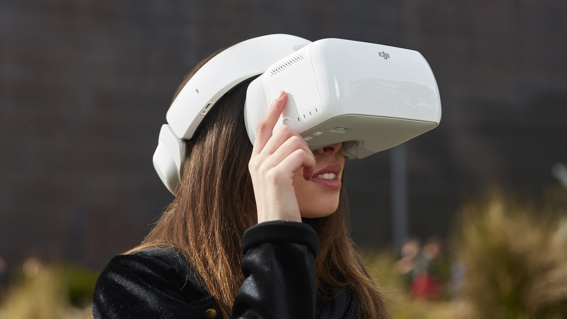DJI is now accepting pre-orders for FPV goggles