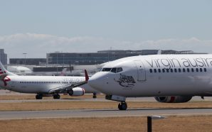Planespotting with the entry level Canon 200D at Sydney Airport's…