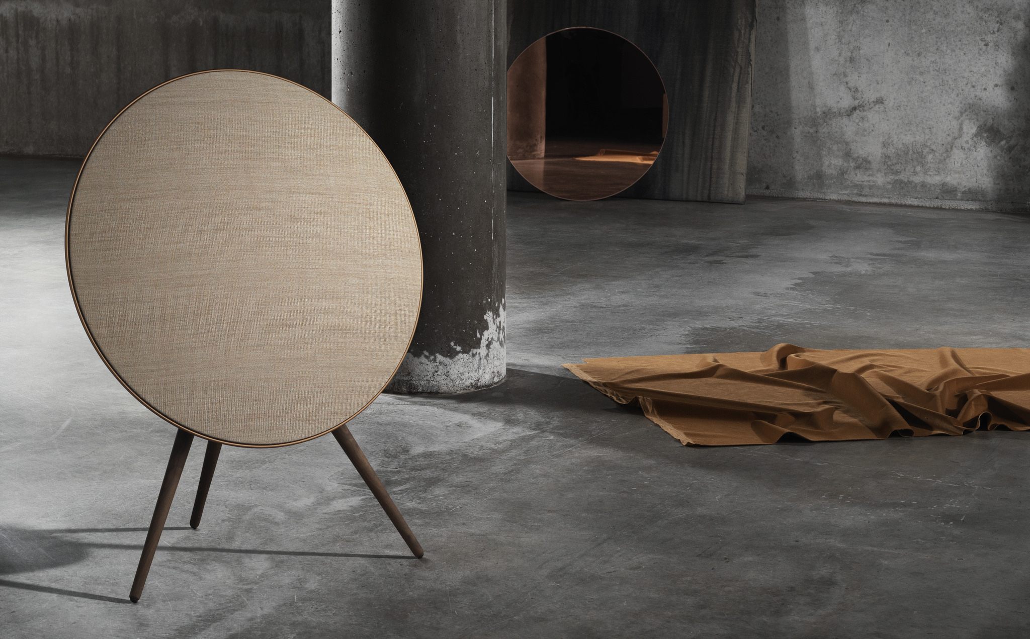 bang olufsen have announced the stunning 39 bronze collection 39 of their wireless speaker range. Black Bedroom Furniture Sets. Home Design Ideas