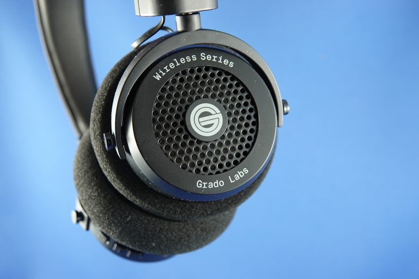 1cf9a158362 Nope, not noise cancelling, these are made for music lovers. Lovers of  great sound, and in 2018 and beyond the cable is a bit naff so it's an  important step ...