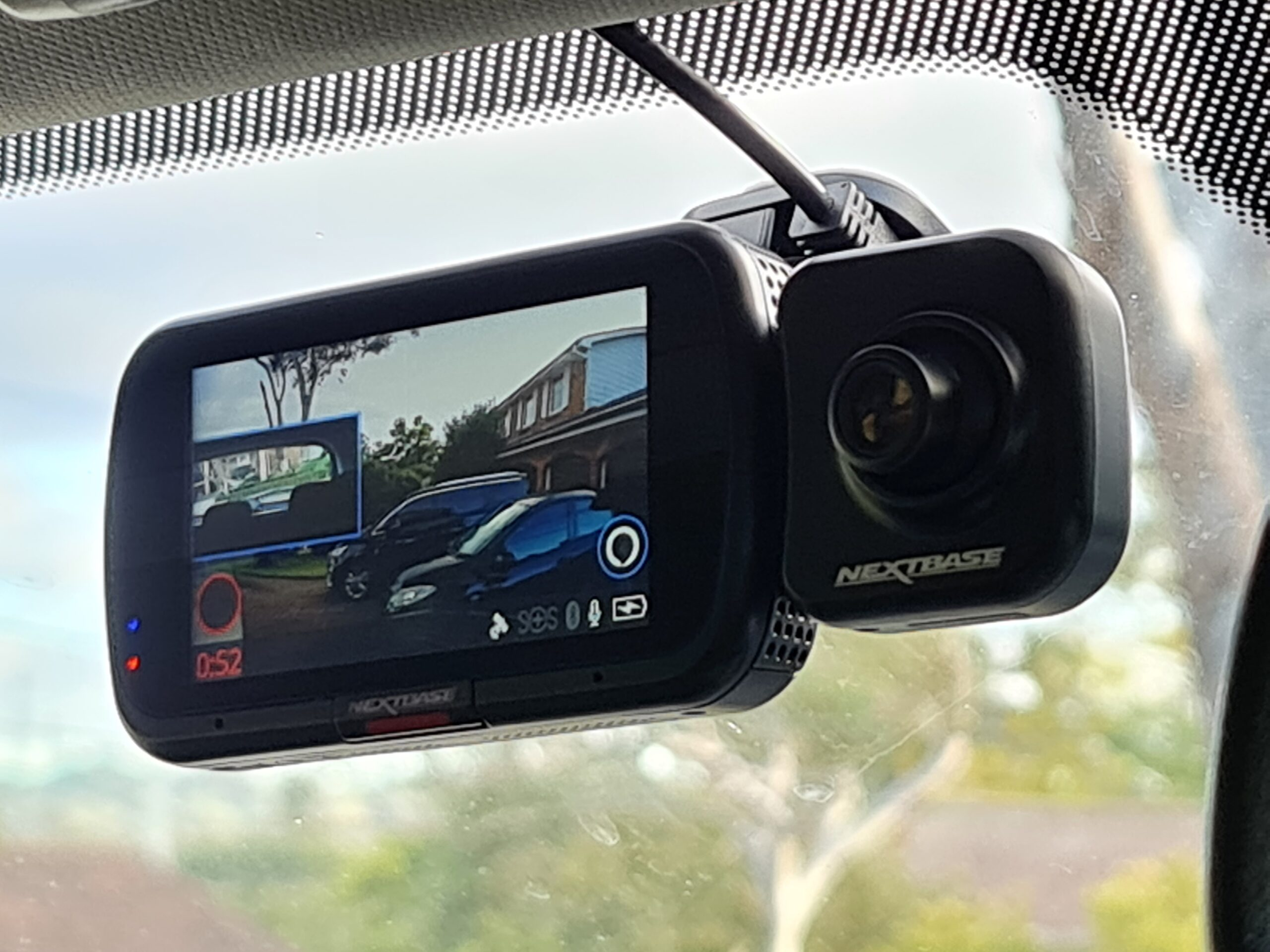 Nextbase 522GW Dashcam positioned on a windscreen