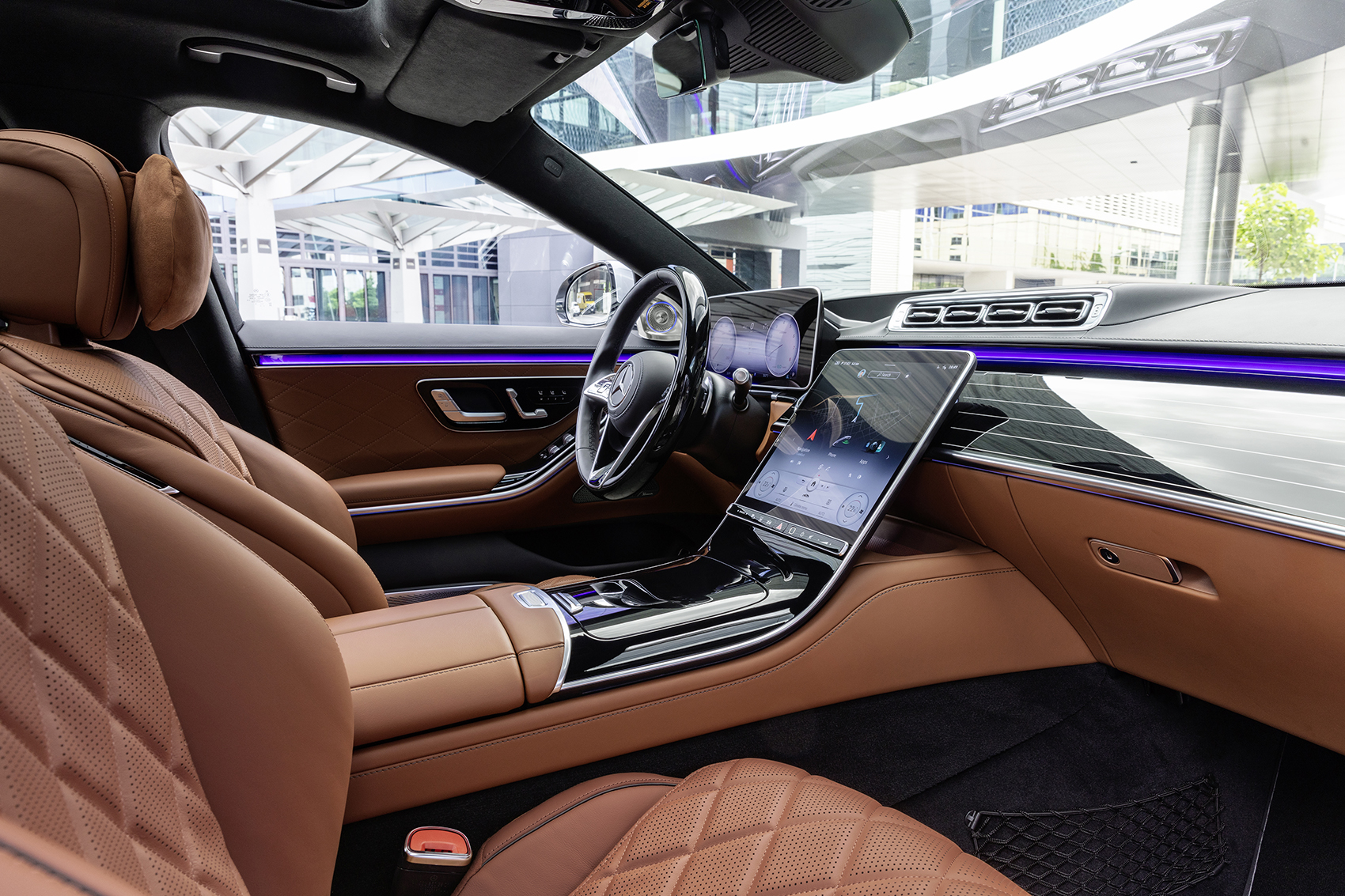 Inside the Mercedes S Class front cabin