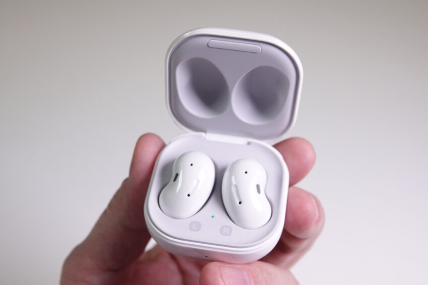 Samsung Galaxy Buds Live in their case.