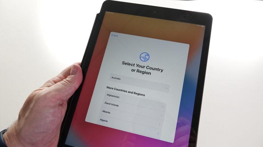 Setup screen for iOS 14 on an iPad