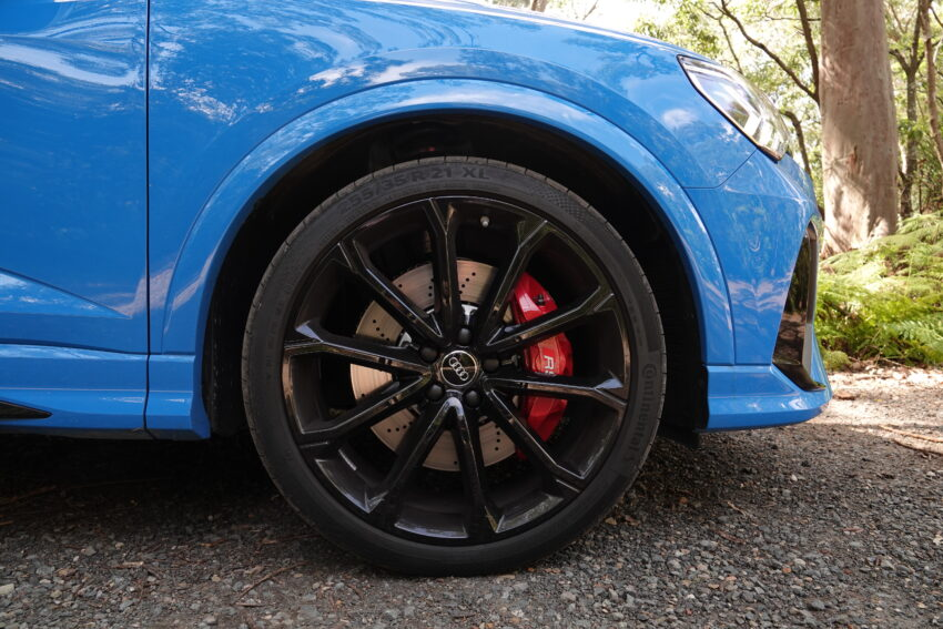 Front wheel of the Audi RS Q3 Sportback