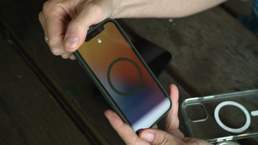 iPhone 12 showing the MagSafe screen when snapping on an Apple case