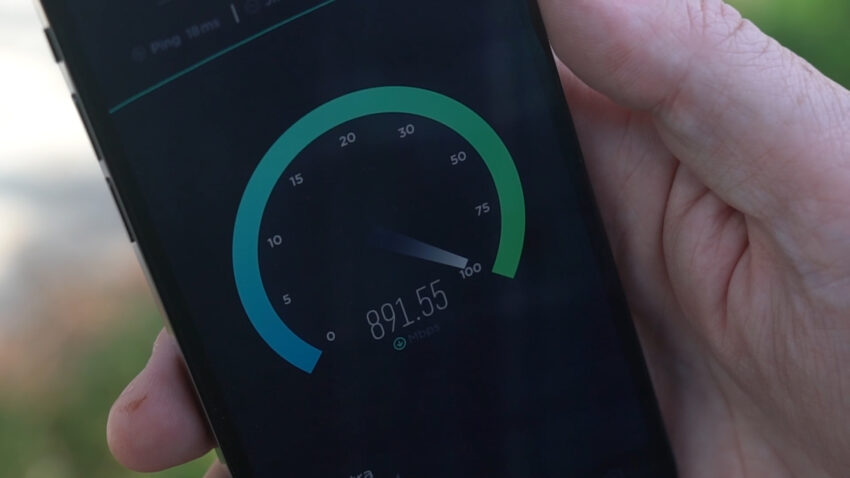 An 891mbps SPeedtest on Telstra showing on an iPhone 12