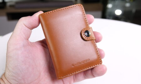 The Ledlenser Lite Wallet held in hand