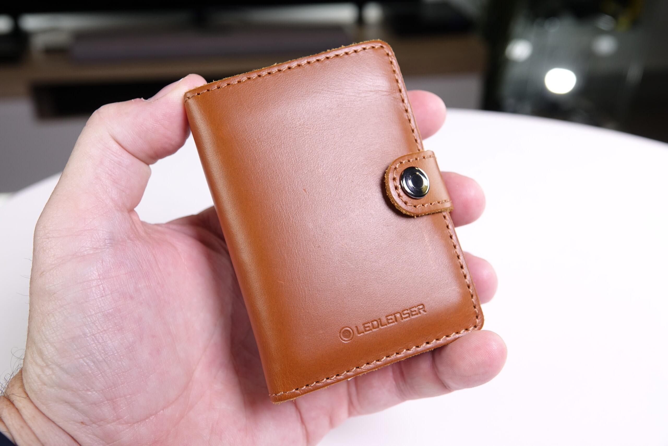 The Ledlenser Lite Wallet held in hand